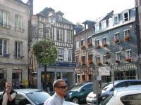 france, Honfleur, Normandie, place fleurie , http://voyages-inattendus.wifeo.com