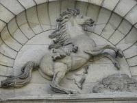 voyages-inattendus,  la roche guyon, normandie, écuries, cheval de pierre