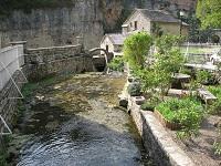 voyages-inattendus,  gorges du tarn, maison de pierre et cascade 3